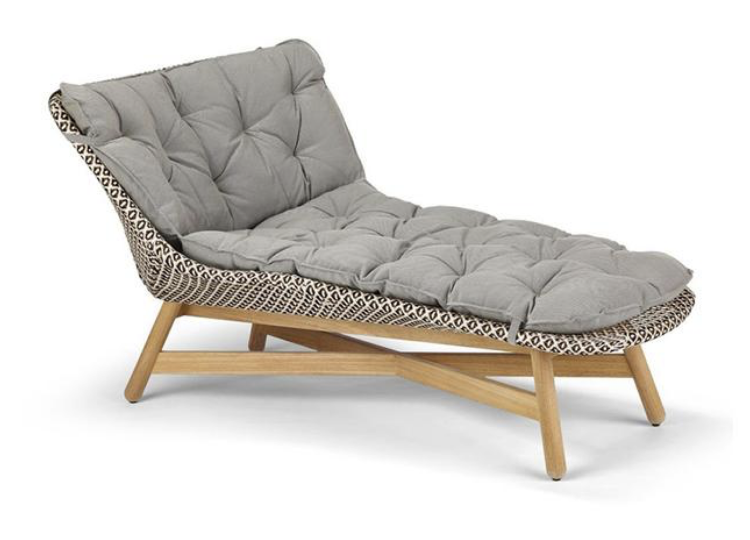 est living dedon mbrace daybed 01 750x540