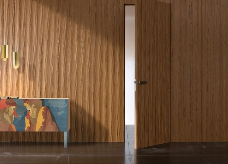 Laura Meroni Onda – Luxury Hinged Door