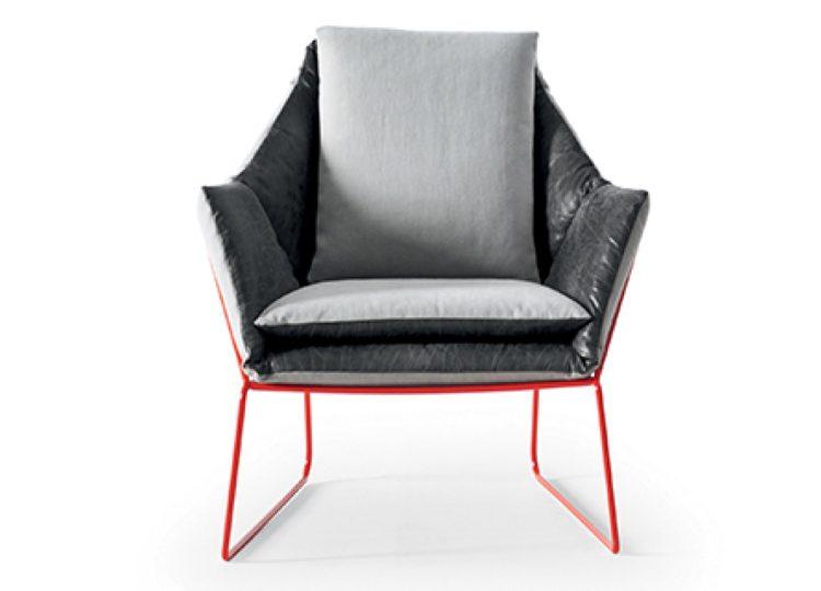 Saba Italia New York Lounge Chair