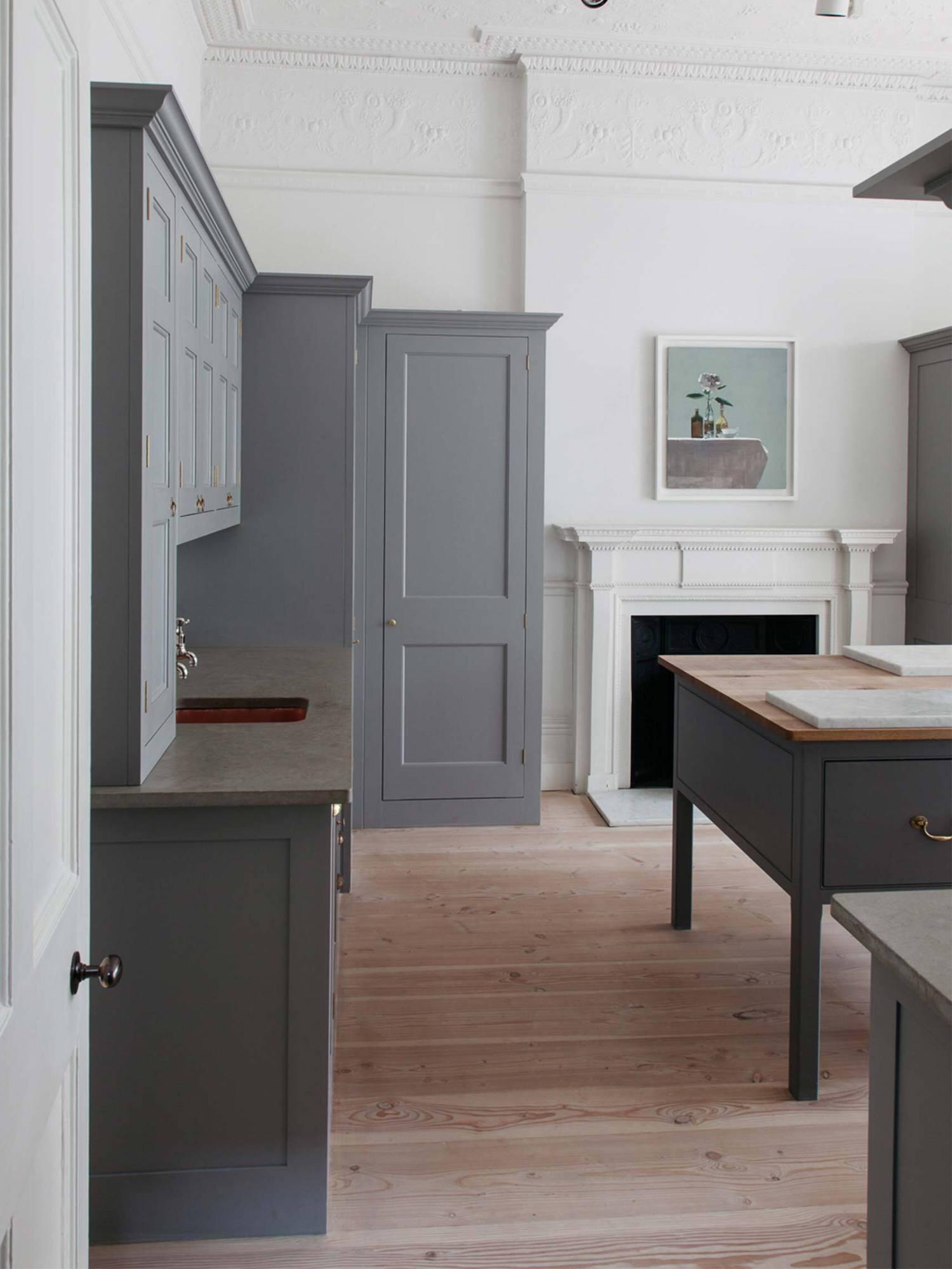 est living plain english kitchen 02