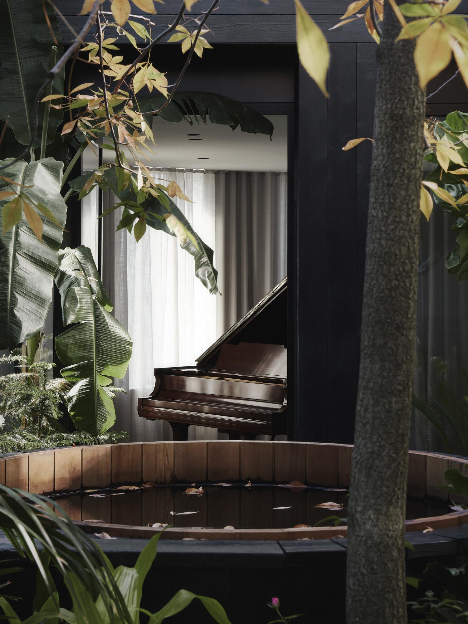 est living Alma House Atelier Barda Architects 14