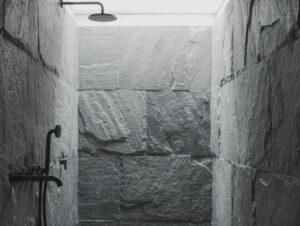 Bathroom | MV hut, Madesimo, Sondrio Bathroom by Luconi Associati