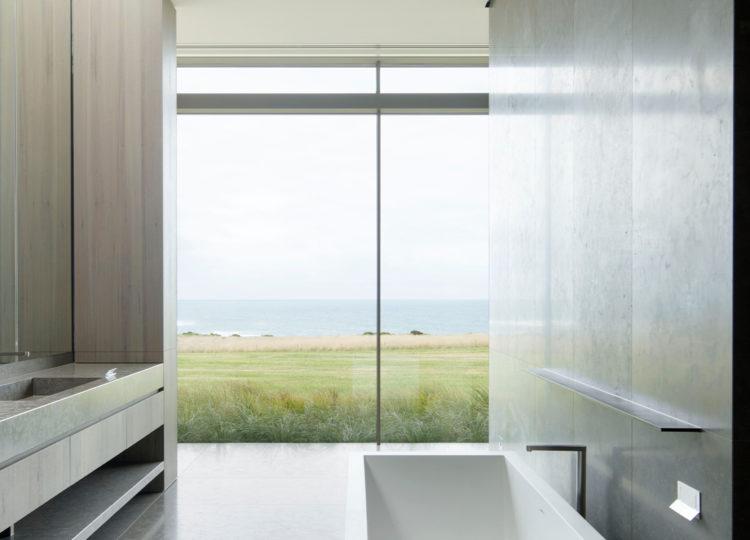 Bathroom | Peninsula House Bathroom by Carr