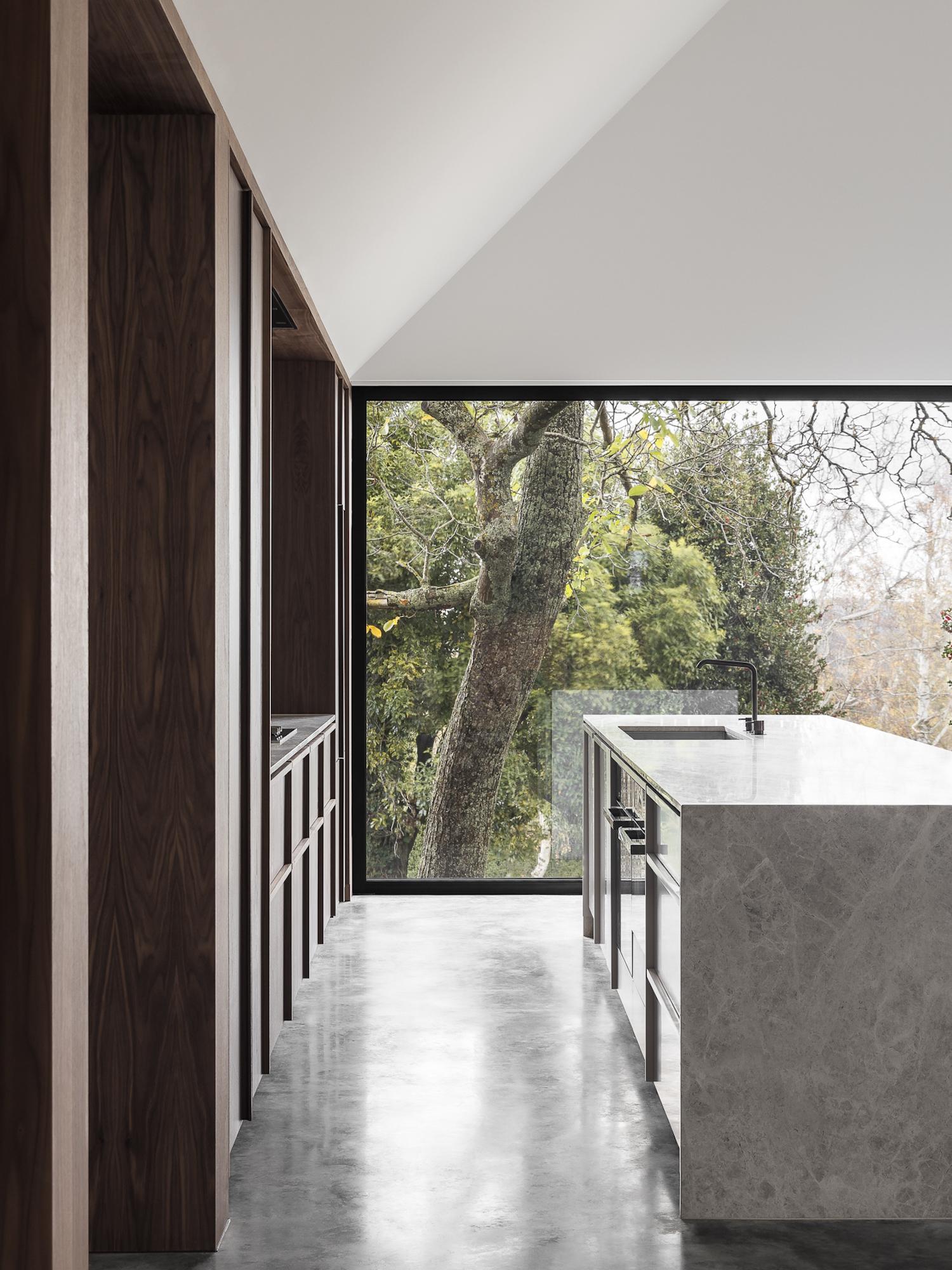 est living walnut house adam kane architects 12